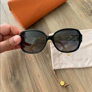 Tory Burch Accessories - Tory Burch Polarized Sunglasses